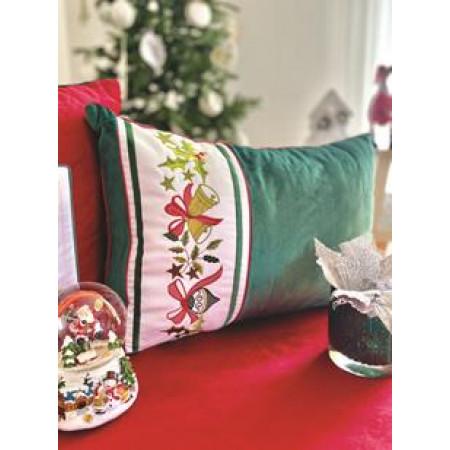 Наволочка оксамитова вишивана новорічна